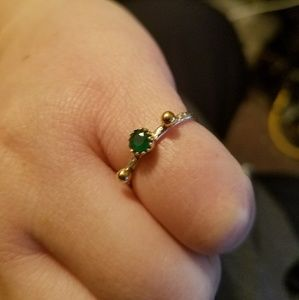 Jewelry - Green Agate Ring w/gold balls